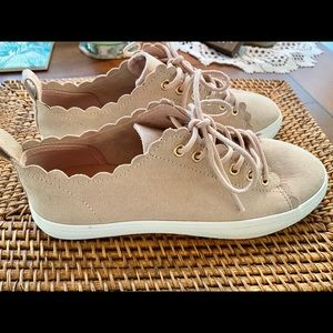 SALE! H&M Suede Feel BLUSH Scallop Sneakers Sz6